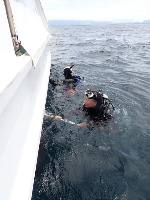 ダイブショップサンライズ ボート掃除
